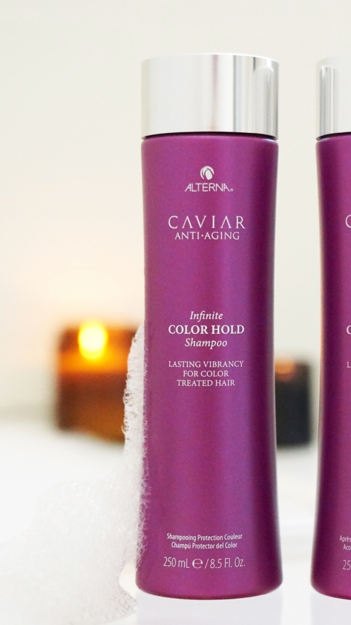 Alterna CAV Lifestyle Bathroom Color Hold Sh Cn 300 RGB